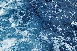 rippled ocean waves
