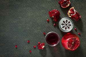 Pomegranate, mint and garnet juice