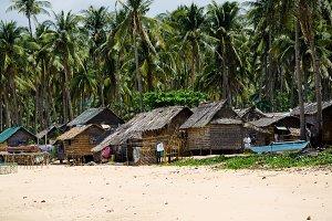 Fisherman vilage on Napcan Beach el-nido