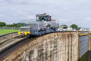 Electric mule used on Panama canal