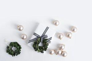 Holiday Image, Gift with Bulbs