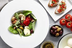Italian basil salad
