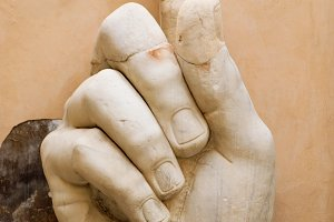 Hand of the emperor Constantine