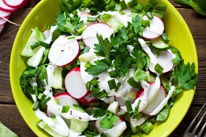 Green vegetable salad