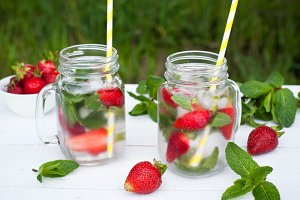 Cold drink with mint and strawberry