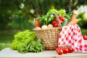 Basket with freshvegetables