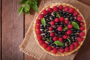 Tart with berries and custard.