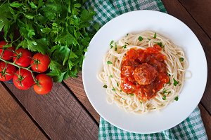 Pasta and meatballs