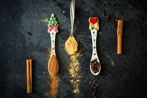Spices for Xmas Gingerbread Cookies