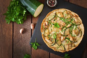 Quiche with chicken and zucchini