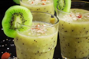 Healthy drink with kiwi, banana and oat bran