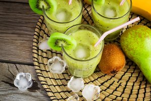 Green smoothie with kiwi, banana and pear