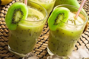 Fruit Smoothie with kiwi, banana, pear and ice