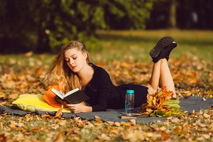 woman read book