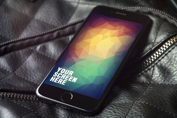 Download iPhone 7 Mockups v1