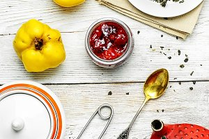 Tea with quince and jam