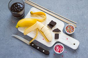Cooking Banana Pops - bananas, dark chocolate, sweet sprinkling
