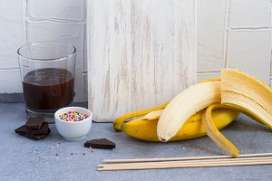 Ingredients for Banana Pops - bananas, dark chocolate, sweet spr