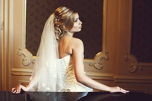 A profile of a gorgeous blonde bride