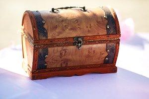 Little wooden trunk