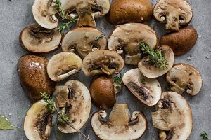 Fresh Mushrooms with oilve oil