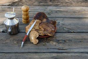 Preparing mushrooms for food