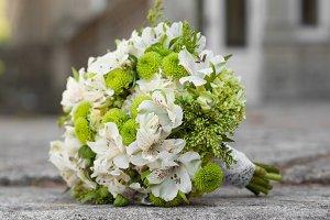 Wedding bouquet lying down