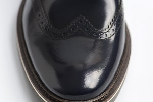 Black shiny shoe