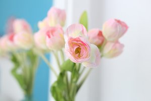 Delicate bouquet of pink tulips