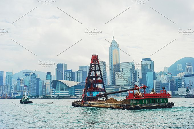Hong Kong barge.jpg - Architecture