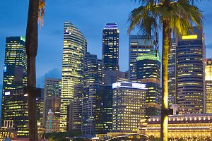 Singapore embankment.jpg
