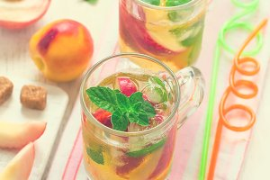 Cold peach tea with mint