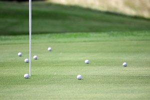 pictire of golf field