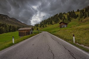 Road in the mountain, Dolomiti