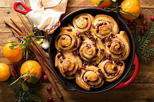 Cinnabon buns with cranberry and orange glaze