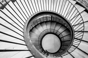 Rotation of spiral stairs
