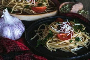 Spaguetti with tomato and cheese