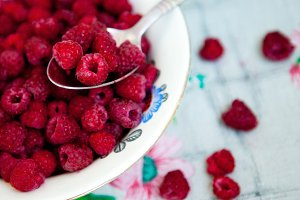 Fresh summer red raspberry