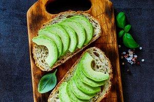 Vegan avocado bruschetta
