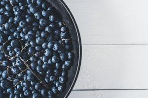 Blueberries and vintage crockery