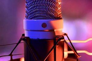 Studio mic live recording front