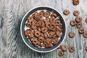 Chocolate balls with milk