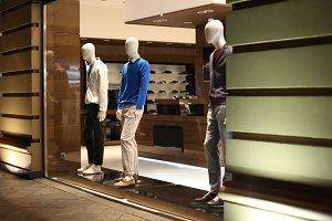 Night shop men dressed mannequins