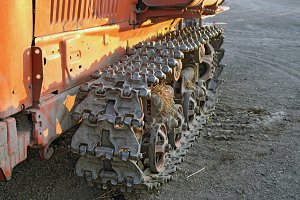 Caterpillar track of the old tractor