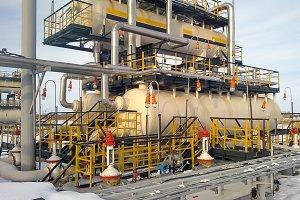 Equipment for oil separation.