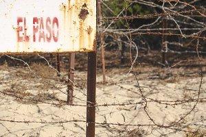 """El paso means """"the walkway"""""""