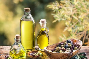 Olive oil and berries