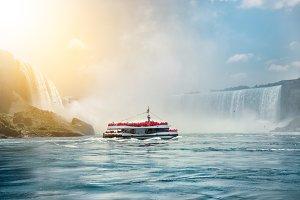 Niagara Falls boat tours attraction