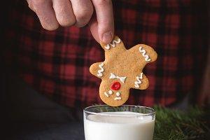 Hasta la vista, Gingerbread man!