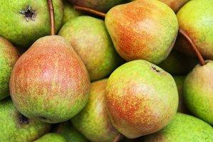 Fresh summer pears